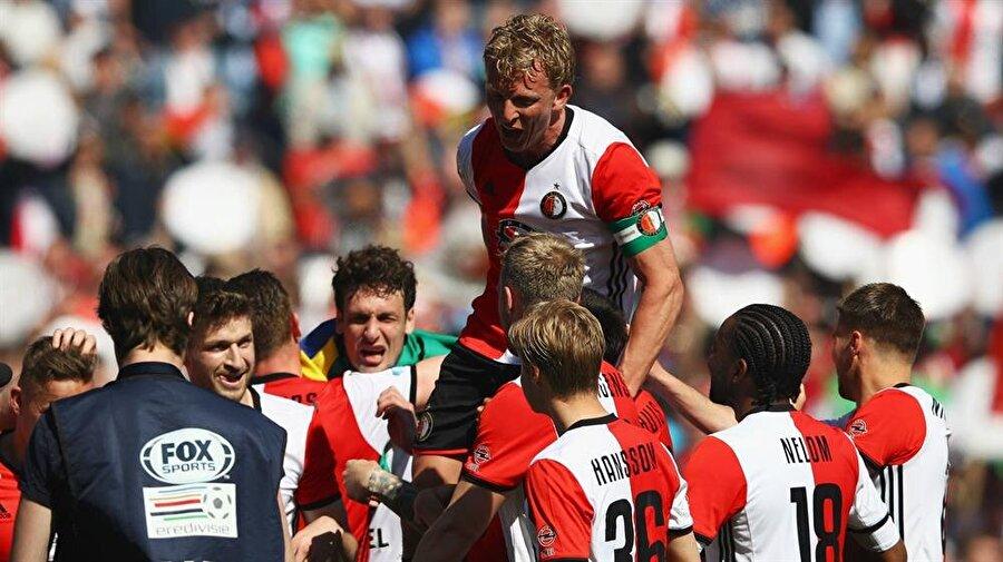 Kuyt, 1 Temmuz 2015'te Feyenoord'a imza attı. Hollandalı futbol efsanesi 2017'de kariyerine nokta koydu.