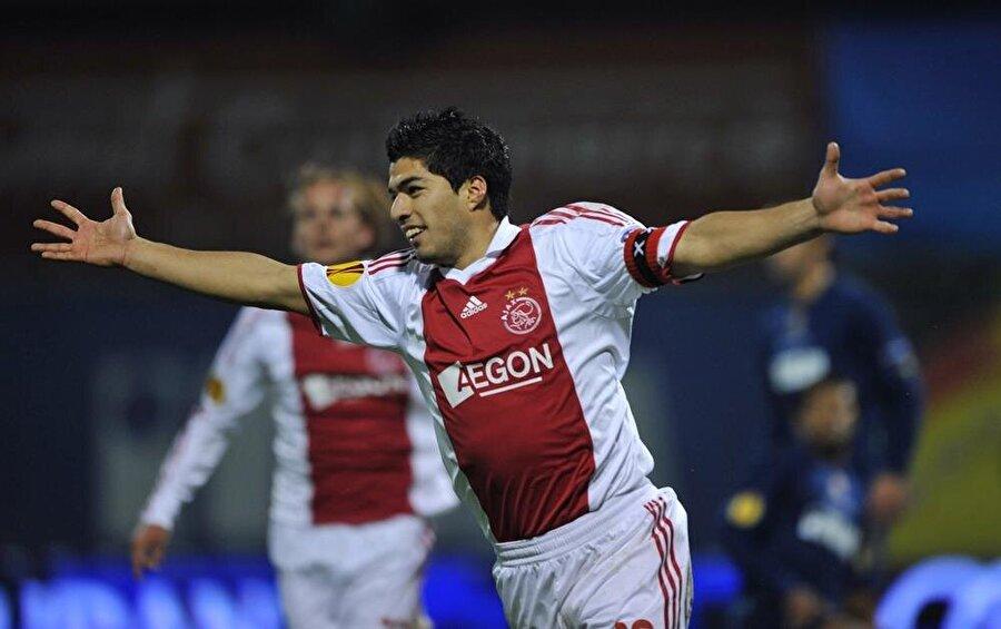 Suarez, Ajax formasını giydiği dört sezonda 158 maça çıktı ve 82 kez fileleri havalandırdı.