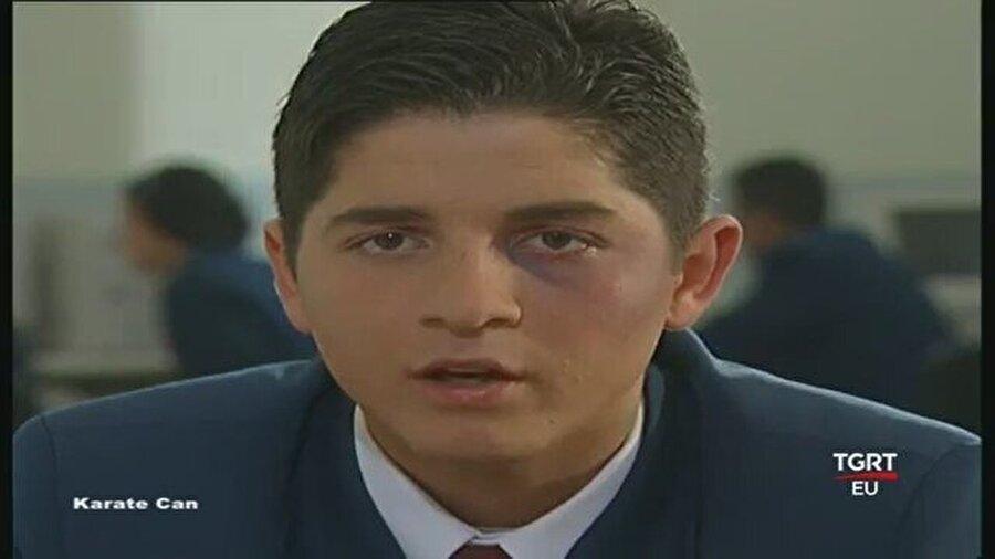 Karete Can ile figüranlığa başladı                                                                           Cüneyt Arkın'ın da rol aldığı Karete Can dizisinde lise öğrencisi rolüyle oyunculuğa başladı.
