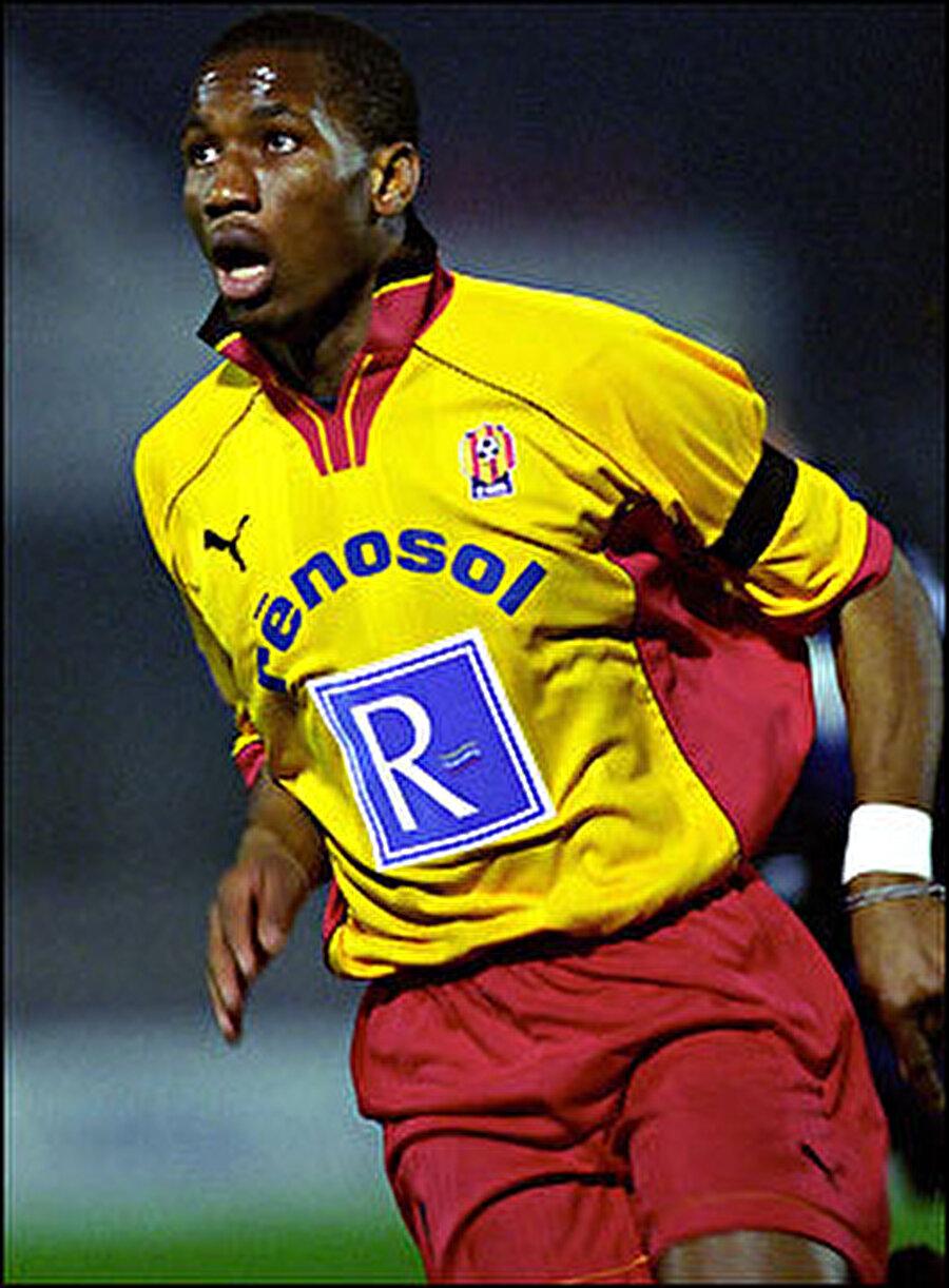 1997'de Le Mans alt yapısına çıkan Drogba, 1998'de A Takıma yükseldi. 2002'de Guingamp'a transfer olan Didier Drogba aynı yıllarda Fildişi Sahili Milli Takımı forması giymeye başladı.