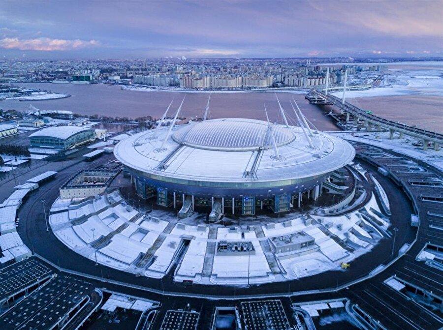 Stadion Sankt Petersburg Aldığı Puan: 44.88Ülke: RusyaKulüp: ZenitKapasite: 68.134İnşaat Süresi: 2006-2017