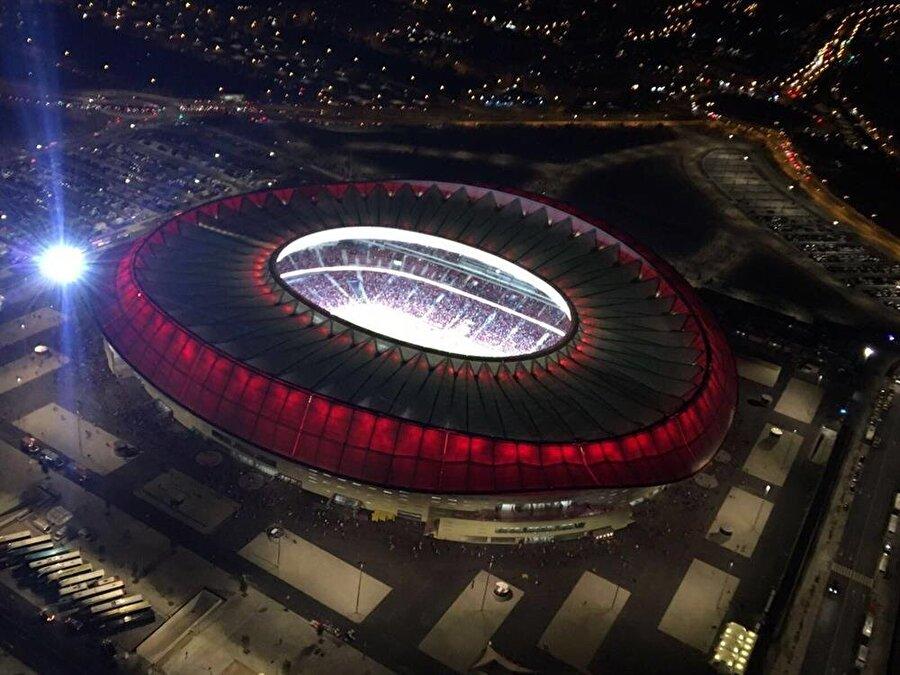 Wanda Metropolitano Aldığı Puan: 44.806Ülke: İspanyaKulüp: Atletico Madrid Kapasite: 67.703İnşaat Süresi: 2011-2017