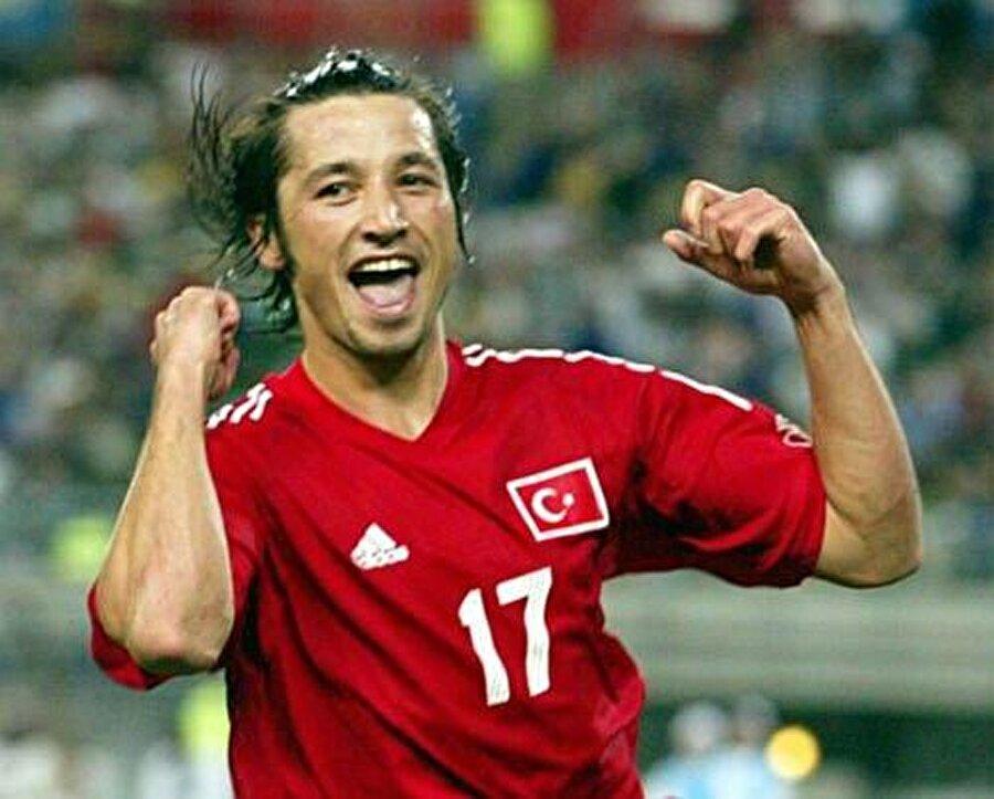 Gollerine Beşiktaş'ta da devam eden İlhan Mansız, 2002 Dünya Kupası kadrosuna davet edildi. İlhan Mansız gollerine Dünya Kupası'nda da devam etti ve ismini tüm dünyaya duyurdu.