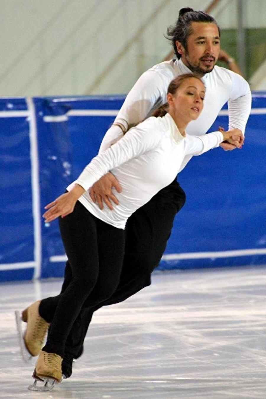 Futbolculuk kariyerinin ardından İlhan Mansız buz patenine merak sardı. Mansız, milli formayı buz pateninde de taşıdı.
