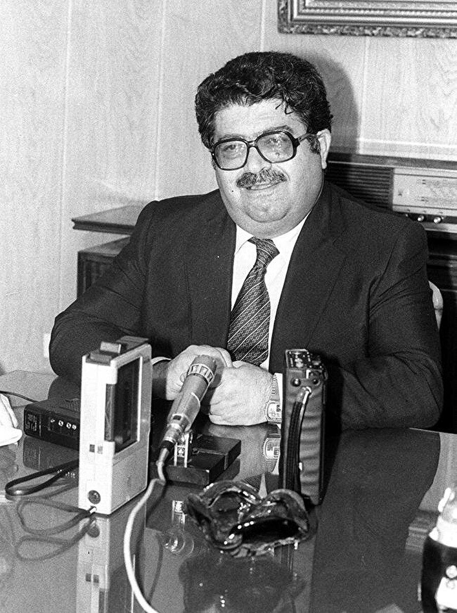 1961–1962 yıllarında askerlik hizmetini Millî Savunma Bakanlığı Bilimsel Danışma Kurulu üyesi olarak yapan Özal, Devlet Planlama Teşkilatı'nın kurulmasına katkıda bulundu. Turgut Özal bu sırada, Ortadoğu Teknik Üniversitesi'nde de ders verdi. Bir süre Başbakanlık Teknik Uzmanlar Kurulu Üyesi olarak çalışan Özal, 1967–1971 yıllarında Devlet Planlama Teşkilatı Müsteşarlığı görevini yürüttü.