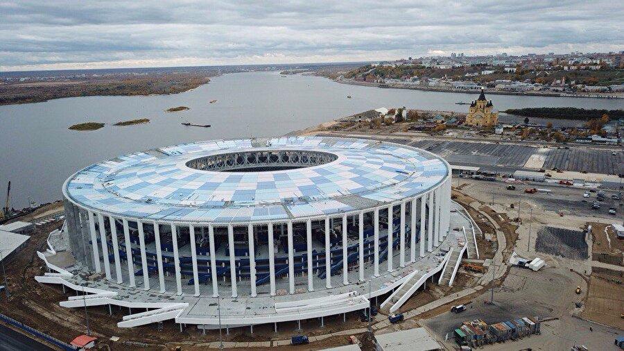 Nijniy Novgorod Stadyumu                                                                           Şehir: NizhegorodskayKapasite: 45.000   Oynanacak maçlar:18 Haziran / F Grubu İsveç-Güney Kore21 Haziran / D GrubuArjantin-Hırvatistan24 Haziran / G Grubuİngiltere-Panama27 Haziran / E Grubuİsviçre-Kosta Rika1 Temmuz 1D-2C