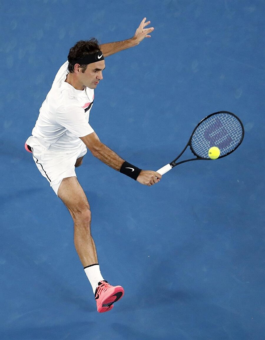 Federer / Tenisin Yaşayan Efsanesi                                      Sayısız başarının mimarı Roger Federer'in hayatı da size ilham verecek türden.