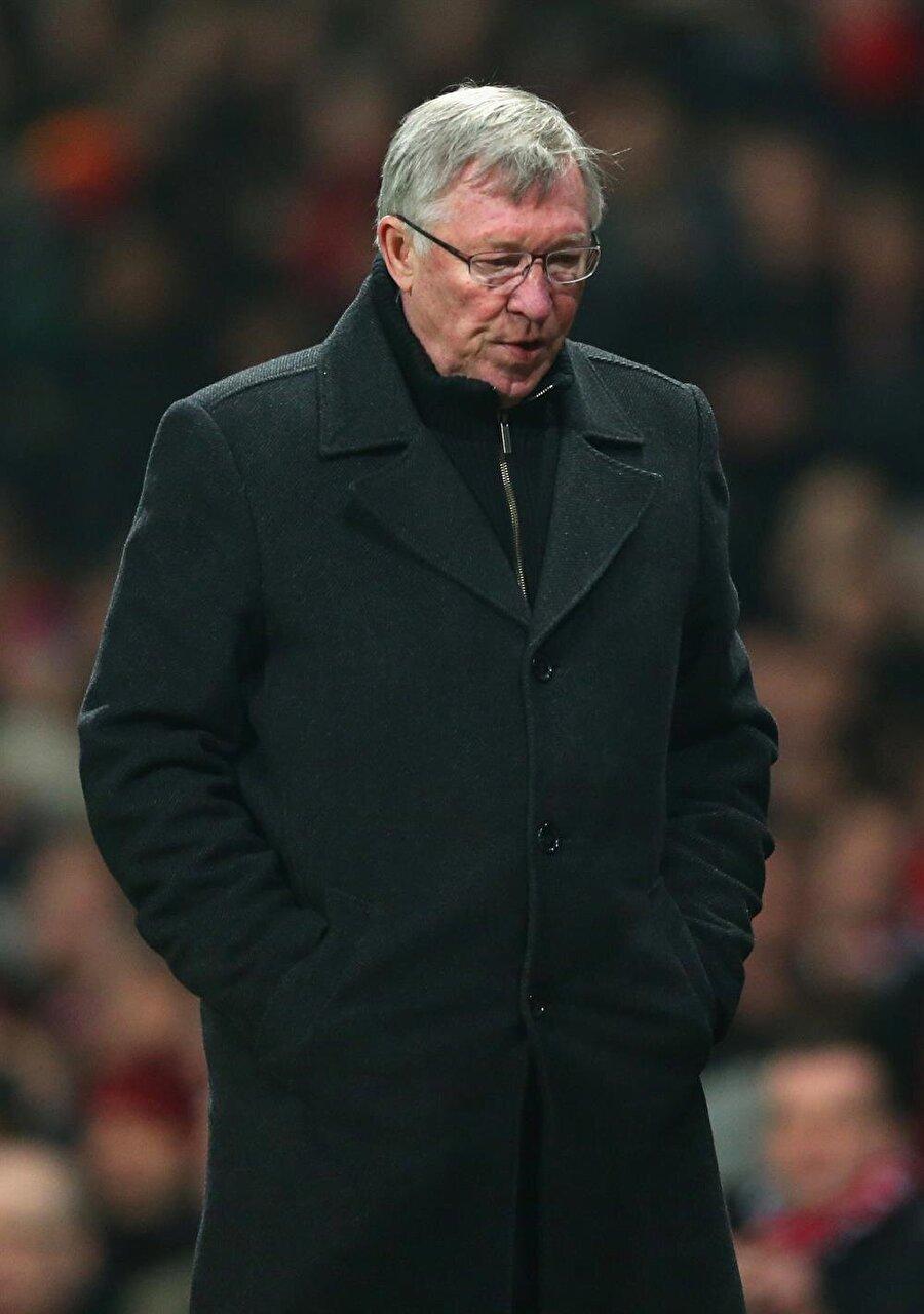 Alex Ferguson-Hayat Hikayem                                      Sir Alex Ferguson olabilmek için sıradan bir zekadan daha fazlasına sahip olmak gerekir… Ferguson, otoriter görüntüsünün altında harika bir kalp taşıyor.