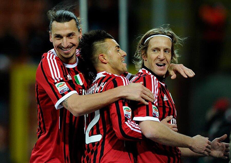 Milan formasıyla 488 maça çıkan Ambrosini, 36 gol atıp 23 asist yaptı.