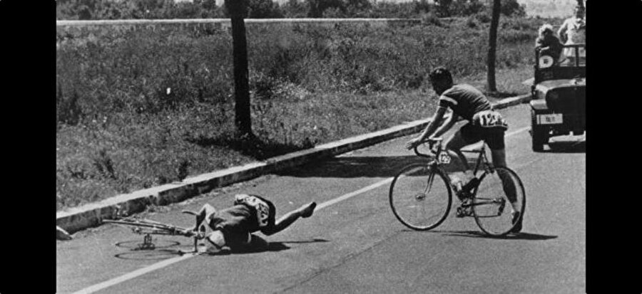 Knut Jensen                                      Danimarkalı bisiklet sporcusu Knut Jensen, 1960 Yaz Olimpiyat Oyunları'na katıldı. Yol yarışı sırasında bir anda yerde kalan Danimarkalı sporcu yaşamını yitirdi. Ölümün ardından Jensen'in doping kullandığı için vefat ettiği belirtildi. Ancak bir yıl sonra yetkililer 24 yaşında vefat eden Jensen'in sıcak çarpması nedeniyle yaşamını yitirdiğini açıkladı.