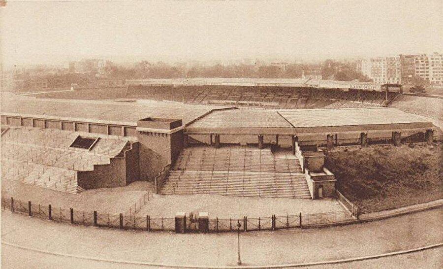 Parc Des Princes / 1897                                      PSG'nin maçlarını oynadığı Prensler Parkı 1897 yılında kapılarını açtı.