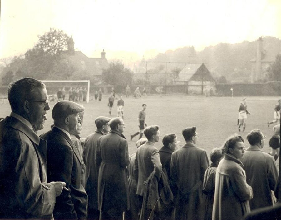Hallam FC /1860                                      Hallam FC 4 Eylül 1860'ta İngiltere'nin Güney Yorkshire bölgesinde kuruldu.