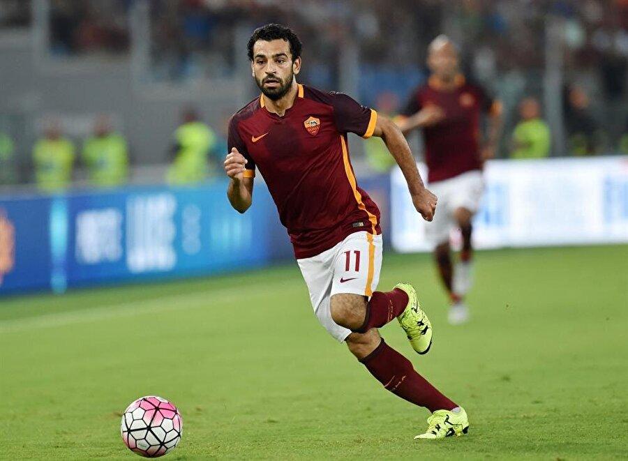 Roma'da yıldızı parladı                                      1 Temmuz 2016'da Roma, Salah'ın bonservisini 15 milyon Euro'ya satın aldı. Roma formasıyla 83 maça çıkan Muhammed Salah 34 gol atıp 24 asist yaptı.