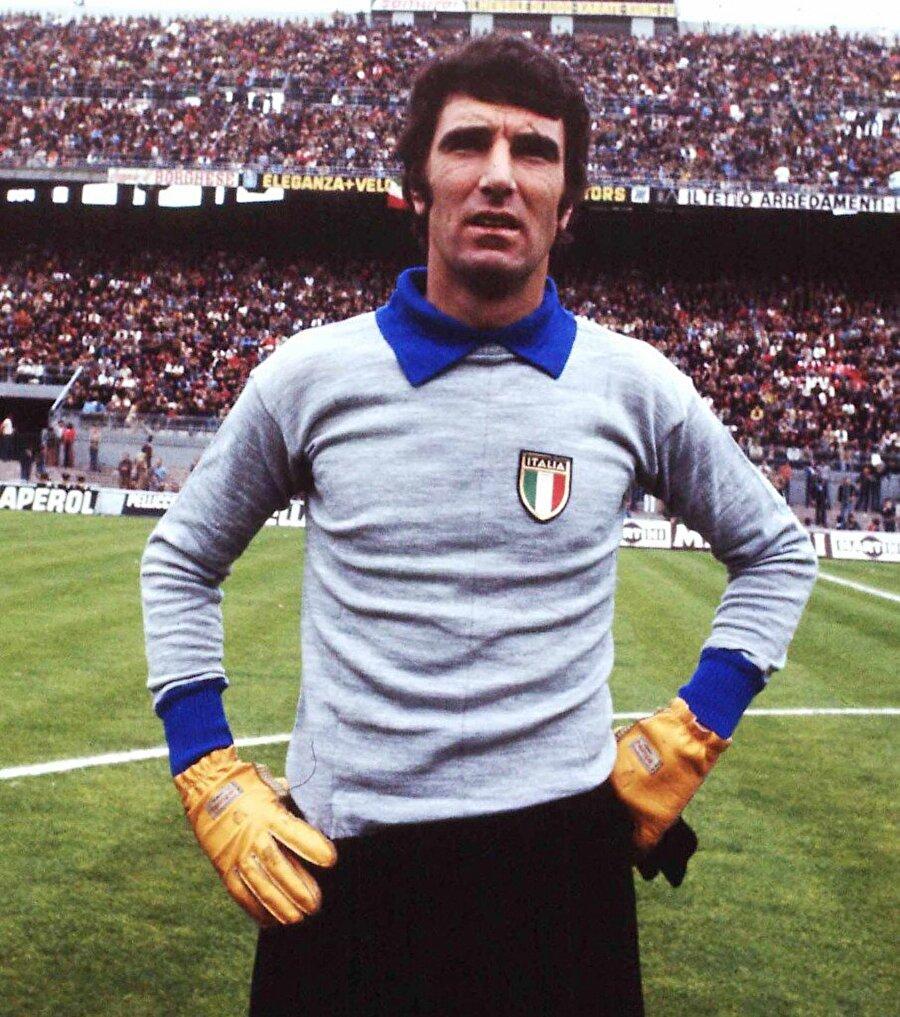 Dino Zoff                                       İtalyan futbolunun efsane isimlerinden Dino Zoff, 1982 Dünya Kupası'nda yer aldığında 40 yaşındaydı.