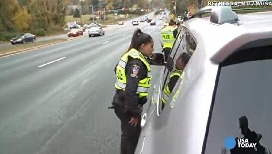 Sürücüler, yazıyı okuduklarında iş işten geçti.