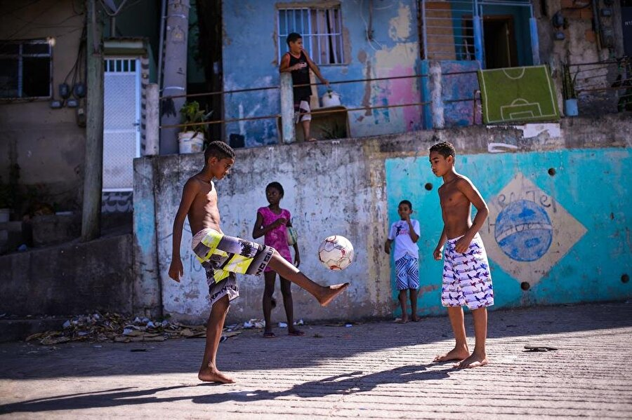 Brezilya Brezilya'da futboldan haz etmeyen insan bulmak son derece zor.