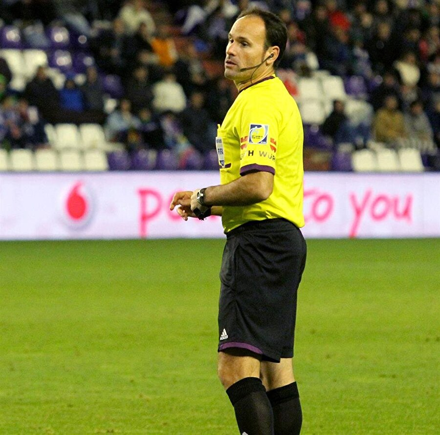 Antonio Miguel Mateu Lahoz / İspanya