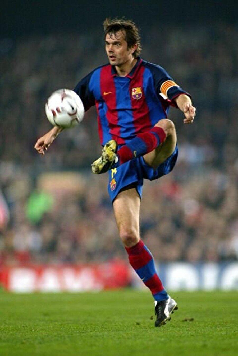Cocu, 1998-2004 yılları arasında Katalan ekibinde forma giymişti.