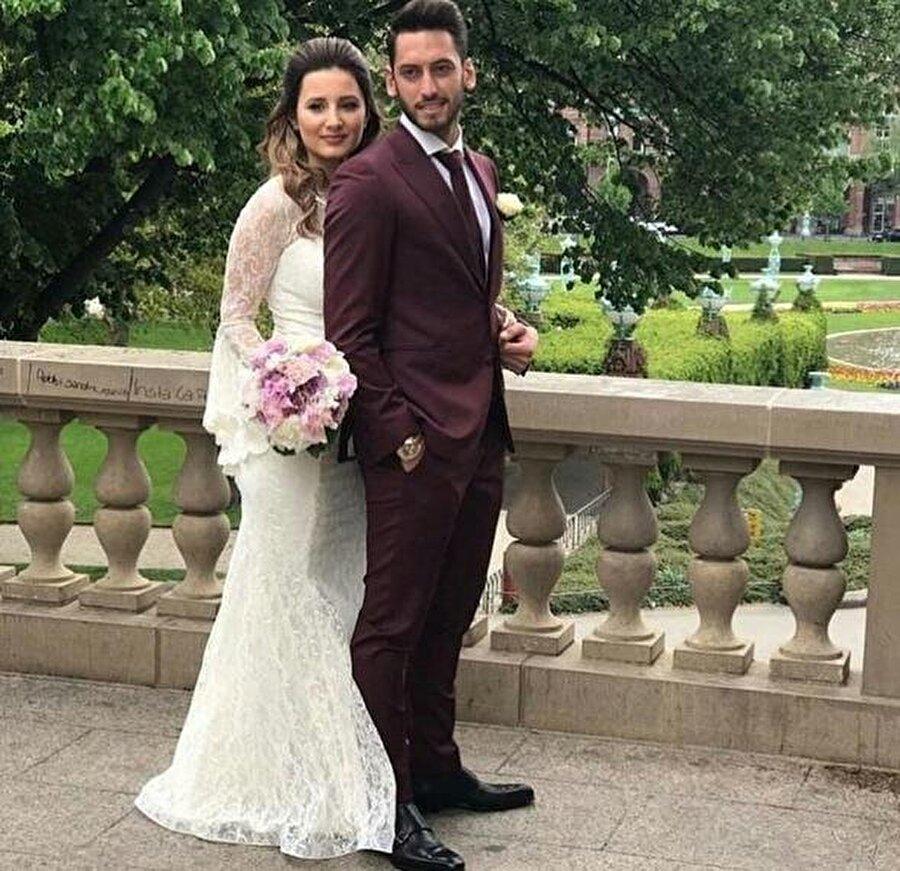 Çiftin, sosyal medyada hesaplarında birlikte çekilen fotoğraflarının olmaması, iddiaları ortaya atan neden oldu. Konuyla ilgili iki taraftan henüz bir açıklama yapılmış değil.