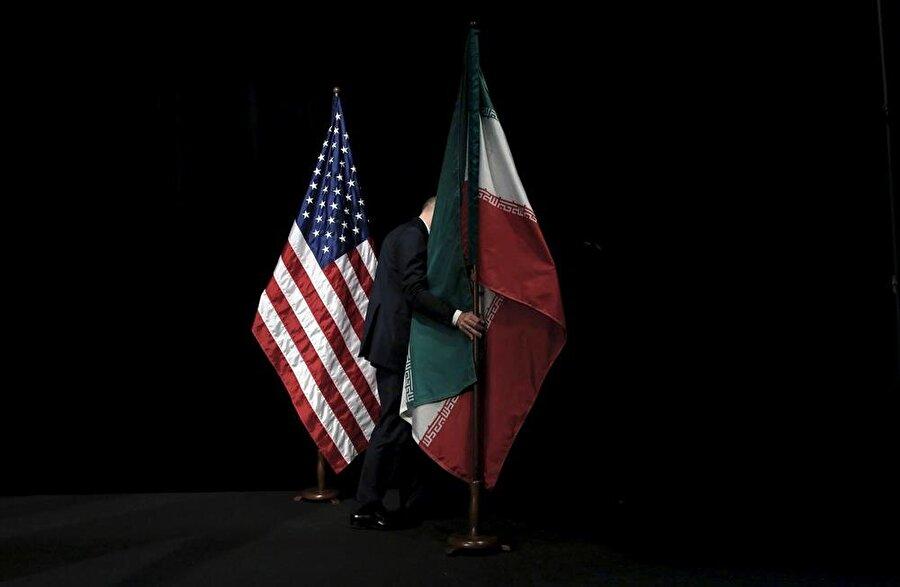 """""""İran'dan petrol ithalatını durdurun""""                                      ABD'nin, müttefiklerinden, İran'dan yaptıkları petrol ithalatını kasım ayına kadar durdurmasını istediği bildirildi. ABD Hazine Bakanlığından kıdemli bir yetkilinin telekonferansla gazetecilere yaptığı açıklamada, müttefik ülkelerin ve şirketlerinin İran'dan yaptıkları petrol ithalatını 4 Kasım'a kadar sonlandırmalarını talep ettiği belirtildi. Açıklamanın ardından küresel petrol piyasasında ham petrol fiyatlarında hızlı artış görüldü."""