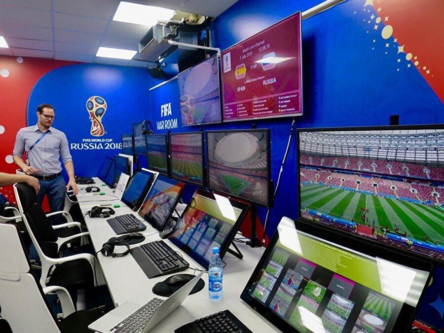 VAR sisteminde hakemin her kararı incelenmeyecek. Yalnızca goller, penaltılar, yanlış oyuncuya verilen kartlar ve direkt kırmızı kartlar VAR sistemine başvurularak kontrol edilecek.