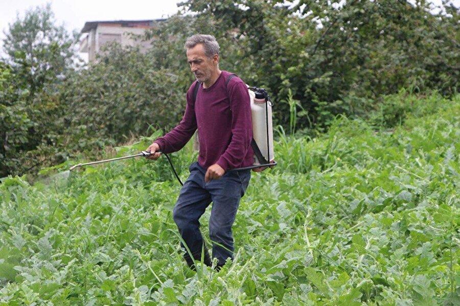 Temel Yaşar Yazıcı Trabzon'un Akoluk Mahallesi'nde yaşayan ve iş hayatına ayakkabı imalatıyla başlayan 3 çocuk babası 53 yaşındaki Temel Yaşar Yazıcı, bu işi yaklaşık 10 yıl yaptıktan sonra zarar ederek başka işlere yöneldi. Aralarında çiftçiliğin de bulunduğu birçok iş yapan ve yaptığı işlerden para kazanamayan Yazıcı, en son koltuk yıkama işine el attı. En son işinde para kazanmaya başladığını söyleyen Yazıcı, girişimcilerden asla ideallerinden vazgeçmemelerini istedi.