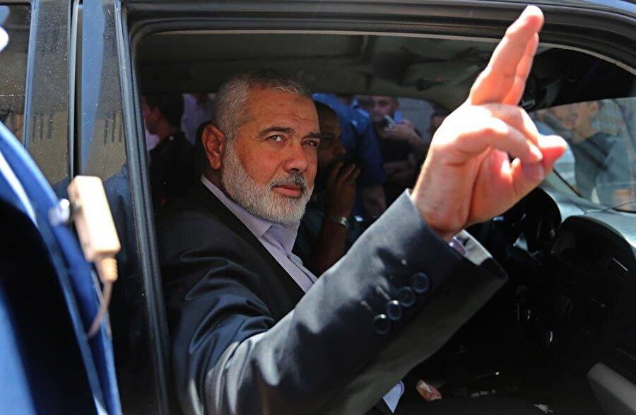Hamas Mısır'ın Filistin uzlaşı önerisini kabul etti                                      Hamas'ın Mısır tarafından sunulan ve en geç 5 hafta içinde ulusal birlik hükümeti kurulmasını da öngören Filistin uzlaşısı önerisini kabul ettiği bildirildi. Uzlaşı görüşmelerine yakın bir kaynaktan alınan bilgiye göre, Mısır'ın sunduğu teklif Hamas tarafından kabul edildi. Mısır şimdi Filistin Devlet Başkanı Mahmud Abbas'ın da öneriyi kabul etmesini bekliyor. Önerinin Filistin yönetimi tarafından başta memur maaşlarının ödenmesi olmak üzere Gazze'ye uygulanan cezai yaptırımların kaldırılmasını öngördüğü belirtildi.