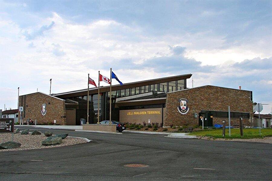 Pickle Lake Airport, Kanada (Turşu gölü)