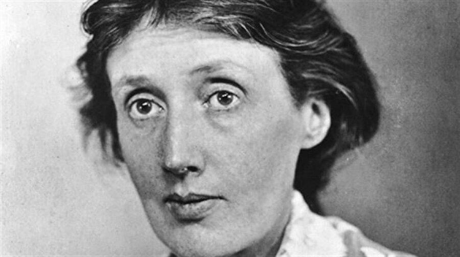 Virginia Woolf 13 yaşında annesi ölüyor, okula gidemiyor, hayatı boyunca ruhsal hastalığının tekrarlayan ataklarından muzdarip. Bir kitap kurdu; VİRGİNİA WOOLF