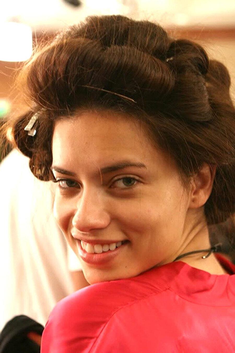 İşte makyajsız Adriana!                                      Ekranların sevilen ismi dünyaca ünlü Adriana Lima'nın makyajsız halini görenler, tanımakta zorlandı.
