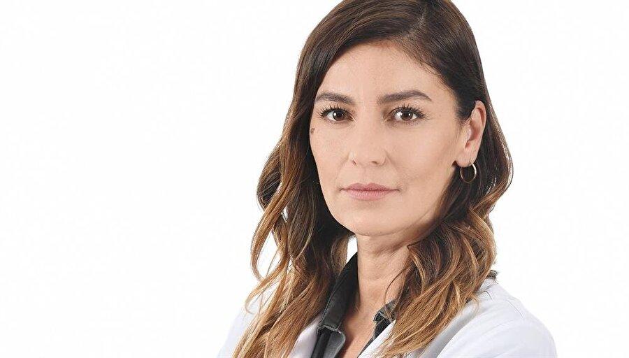 Seda Akman                                                                           Uzun süredir ekranda olmayan oyuncu Seda Akman, Aşk ve Mavi dizisine dahil oldu.