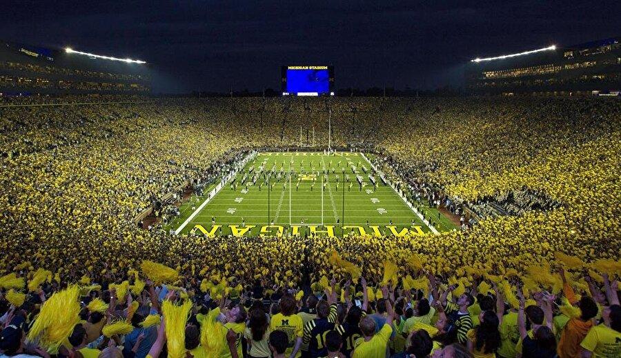 Michigan Stadyumu                                      Lokasyon: Ann Arbor, Michigan / ABDKapasite: 107,601