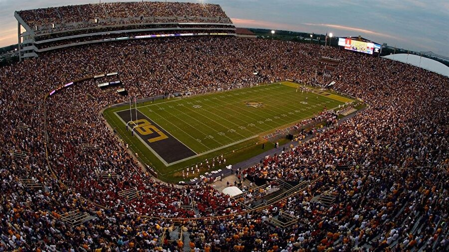 Tiger Stadium Lokasyon: Baton Rouge, LA, ABDKapasite: 102,321