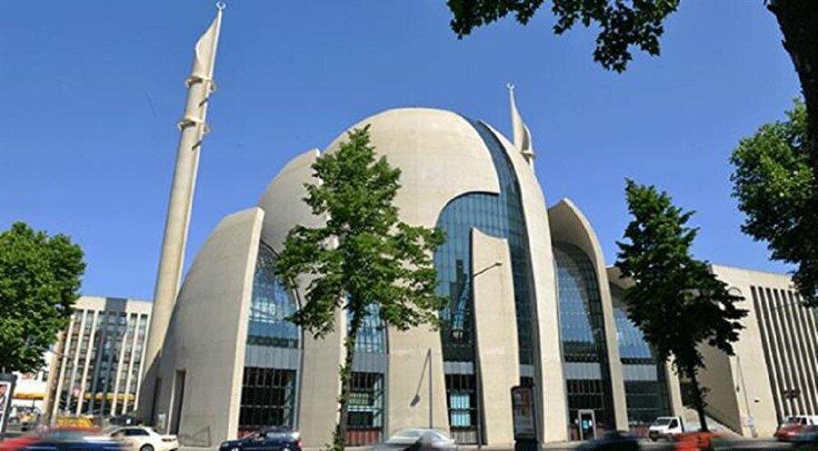 Camii'yi daha yakından tanımak isterseniz sizleri fotoğraflar köşesine alalım: