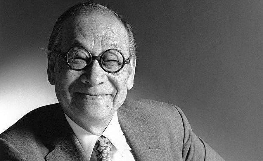 I.M. Pei                                      Bu güler yüzlü insan, Dünya mimarlık tarihinde ismini altın harflerle yazdırmış sayılı isimlerden sadece biri. Bugün tam 101 yaşında olan Pei, modernist ve kübist mimari stillerini harmanlayan kendine özgü stiliyle geleneksel mimariyi bütünleştirmesiyle ünlü.