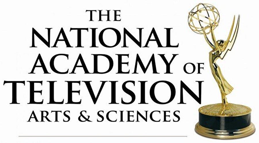 """PBS Haberler & Belgesel Emmy Ödülü kazananlar                                       FARTHEST - Uzaydaki VOYAGER Üstün Bilim ve Teknoloji Belgeseli   FRONTLINE """"Abaküs: Hapishanede Küçük Yeterli"""" Olağanüstü İşletme ve Ekonomik Belgesel   FRONTLINE """"Musul"""" Olağanüstü Sinematografi: Belgesel   BAĞIMSIZ LENS """"Sonsuza Kadar"""" Olağanüstü Siyaset ve Hükümet Belgeseli   BAĞIMSIZ LENS """"Kule"""" Olağanüstü Tarihi Belgesel   POV """"Halep'te Son Erkekler"""" Üstün Güncel Olaylar BelgeseliVİETNAM SAVAŞI: KEN BURNS & LYNN NOVICK'İN BİR FİLMİ Üstün Araştırma"""