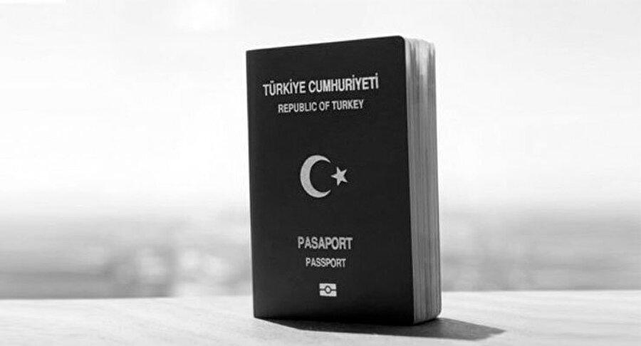 Siyah Pasaport (Diplomatik Pasaport) Diplomatik pasaport olarak adlandırılan siyah pasaport, Türkiye Cumhuriyeti Büyükelçilik ile birlikte Konsolosluk çalışanları(Diplomat) için hazırlanmış olan özel pasaporttur. Meclis üyeleri, Yargıtay, üst düzey devlet kadrosu çalışanları, Sayıştay, Cumhurbaşkanı ve Valilerin sahip olabileceği bu pasaport ile de yine dünyanın birçok ülkesine vizesiz seyahat etmek mümkün.