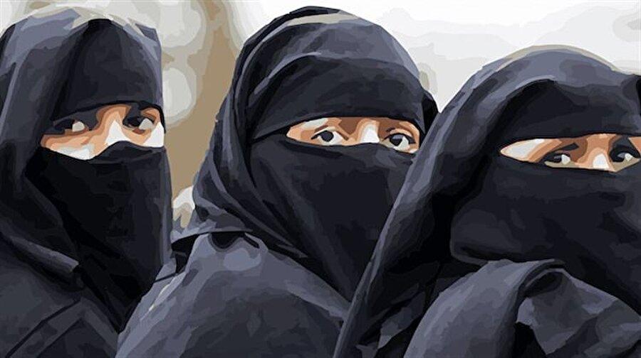 Mısır'da peçe tartışması alevleniyor Mısır Parlamentosu'nun kamusal alanlarda ve hükümet binalarında yüzü tamamen kapatan peçeyi yasaklama girişiminin ardından, ülkede yoğun bir peçe tartışması başladı. Mısırlı kadınların ciddi bir oranının taktığı peçenin yasaklanması durumunda ülkede sosyal ve dinî açıdan rahatsızlık oluşacağını savunanların yanında, peçenin İslâm'ın emirlerinden olmadığını açıklayanlar da var.