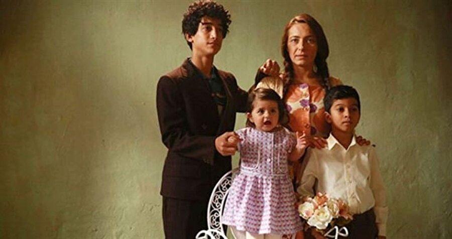 58 milyon 462 bin 172,61 lira hasılat Müslüm Gürses'in hayatını anlatan Müslüm filmi, 4.5 milyon kişi tarafından izlendi. Filmin yayına girdiğinden bu yana ise, hasılatının 58 milyon 462 bin 172,61 lira olduğu ortaya çıktı.