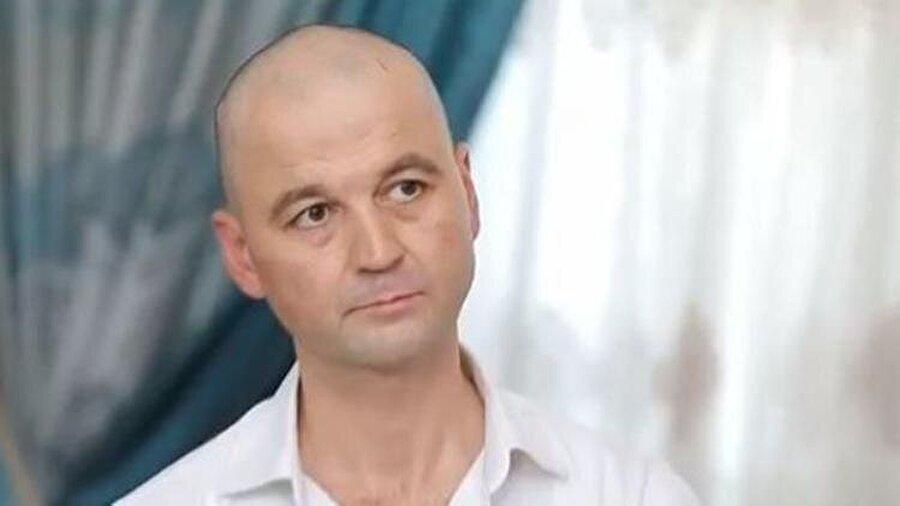Murat Özdemir kimdir?                                      Murat Özdemir, 1973 yılında Bolu, Mengen'de dünyaya geldi. 3 ablası olan ve aşçı bir aileden gelen Özdemir, 13 yaşından beri mutfak sektöründe çalışıyor.