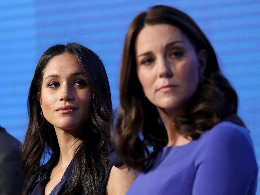 Kate Middleton yüzünden mi? İngiliz basını, çiftin saraydan taşınma kararının ise Meghan Markle'ın Prens William'ın eşi Kate Middleton ile anlaşamadığı için alındığını dile getiriyor.