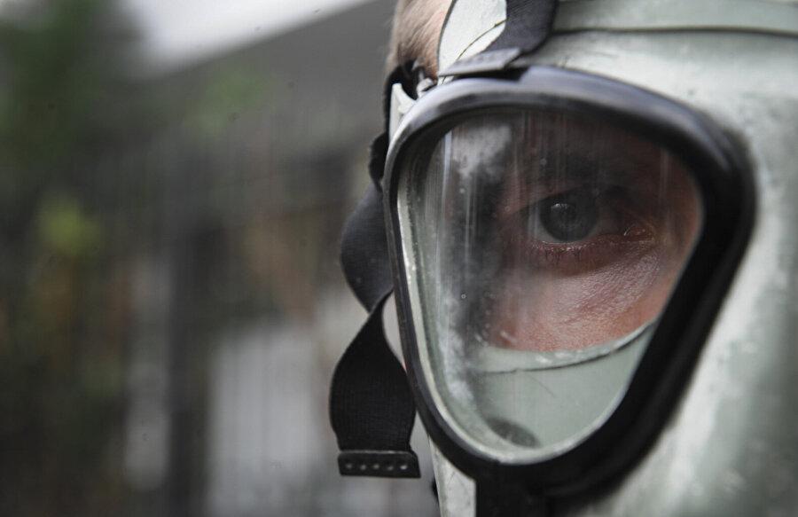 """Kimyasal Savaş Kurbanlarını Anma Günü Birleşmiş Milletler (BM), kimyasal silah tehdidine karşı farkındalık uyandırmak ve mağdurları anmak amacıyla her yıl 30 Kasım gününü """"Kimyasal Savaş Kurbanlarını Anma Günü"""" ilan etti.      Tarih boyunca pek çok savaş ve saldırıda kullanılan kimyasal silahlar, basit laboratuvarlarda yüzlerce farklı türde üretilebiliyor. Konvansiyonel silahlara göre üretimi daha ucuz ve kolay olan kimyasal silahlar, günümüzde halen çok sayıda cana mal oluyor."""