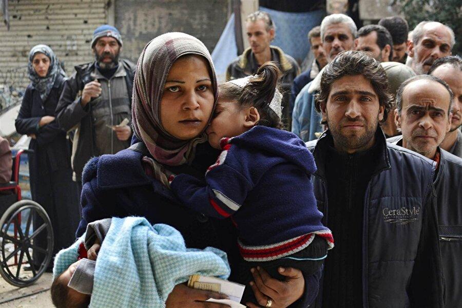 Astana'da Suriye toplantısı Kazakistan Dışişleri Bakanı Kayrat Abdrahmanov, Türkiye, Rusya, İran, rejim ve muhalefet heyetinin bir araya geldiği ana oturumda kapanış bildirisini okudu. Bildiride tarafların Suriye'nin toprak bütünlüğü, bağımsızlığı ve egemenliğine bağlılıkları vurgulanarak, ülkede DEAŞ, Nusra Cephesi ve Birleşmiş Milletler (BM) Güvenlik Konseyinin terör listesindeki bağlantılı kişilerle mücadeleye devam edileceğinin altı çizildi.
