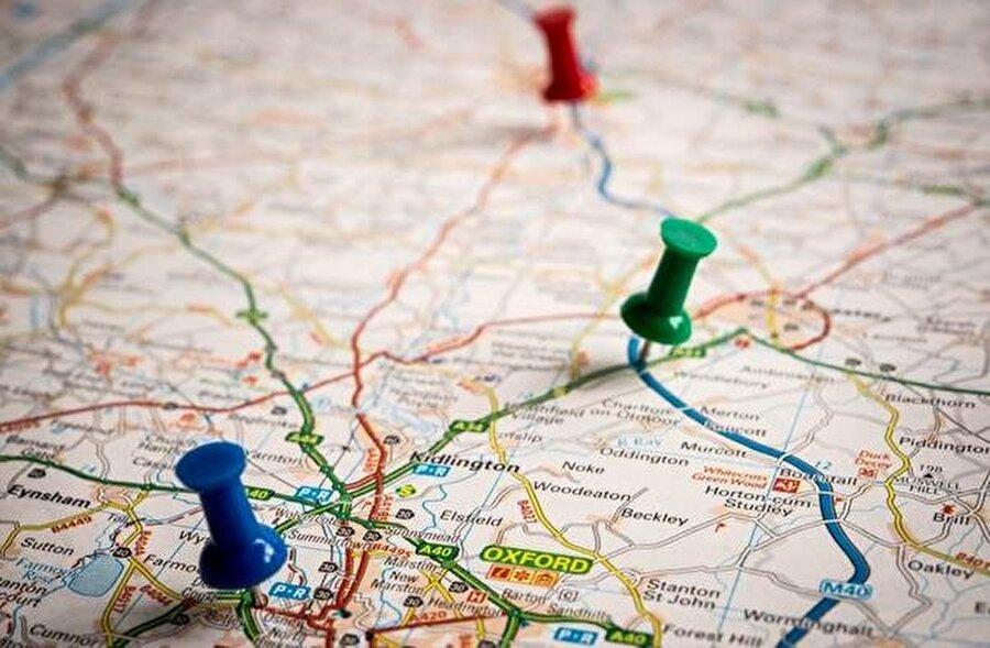 Seyahat planı: Ukrayna'ya ne zaman gidilmeli?                                                                                                                                                     Seyahat planınız sizin için Ukrayna'da çok önemli olmalıdır; çünkü Ukrayna tarihi, kültürü, yerel tatları ve kesin ziyaret edilmesi gereken mekanları ile inanılmaz bir ülkedir. Gördüm, bu bana yeter diyen gezginlerden değilseniz sadece Lviv için 4 gece 5 gün kalmanızı öneririz ve seyahatlerinizi planlarken şunlara dikkat etmenizi öneririz; 1-) Otel şehir merkezine veya ziyaret edilecek yerlere yakın mı? 2-) Gittiğimin Şehirde Uber veya türevi uygulamalar var mı?3-) Tren ile ülkede ki diğer yerlere ulaşım sağlamam ne kadar kolay?4-) Şehir içi ulaşımda toplu taşıma ne seviyede ve ne kadar?5-) Ülke de yerel tatlar dışında atıştırmalık alacağım market veya büfeler var mı varsa neler?
