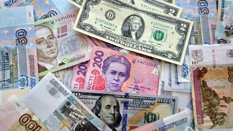 Ukrayna para birimi: 'Harca harca bitmez' diyorlar, doğru mu?*                                                                                                                                                     Ukrayna güzellikleri ve kültürünün yanı sıra Türk Lirasına karşı olan ekonomik olarak düşük değeri ve Avrupa'nın aksine Amerikan Dolarının daha çok hatırının sayıldığı nadir ülkelerden birisidir. Türk lirası karşısında en az 5 kat değersiz olan UAH kısaltmalı Ukrayna Parası Grivna biz Türk turistlere özgürce para harcama alanı açıyor. Nasıl yani derseniz; 1 TL'ye yakın ücretleri toplu taşıma kullanabilirken 20 TL'ye havalimanından otelinize lük bir Uber ile seyahat edip öğün yemeklerinizi her gün dışarıda yiyebilir ve eğer öğrenciyseniz bir çok yere de ücretsiz girebilirsiniz. Ayrıca Ukrayna'da bulunan Türk GSM şirketinden hat satın alarak 30 GB interneti 30 TL veya civarı bir fiyata kullanıp dönüşünde atabilirsiniz. Uzun lafın kısası gereksiz harcamadıkça krallar gibi bir tatil Ukrayna da sizi bekliyor.