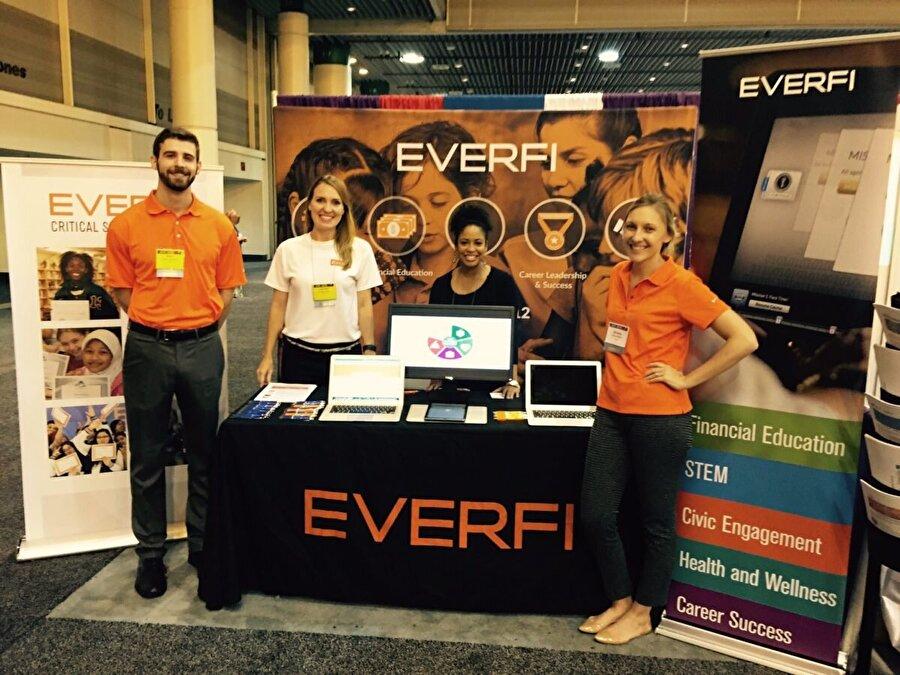 EverFi Bundan 10 yıl önce kurulan EverFi ise Bezos'un yatırım yaptığı onlarca şirketten biri. Eğitim alanında hizmet veren EverFi, çevrimiçi alanda eğitim ve öğretimi yaymayı amaçlıyor. Hatta bunu finansal ve kurumsal olarak da yürütmeyi planlıyor. Jeff Bezos'un yalnızca 2017'de bu şirkete yaptığı yatırım ise 160 milyon dolar civarında.