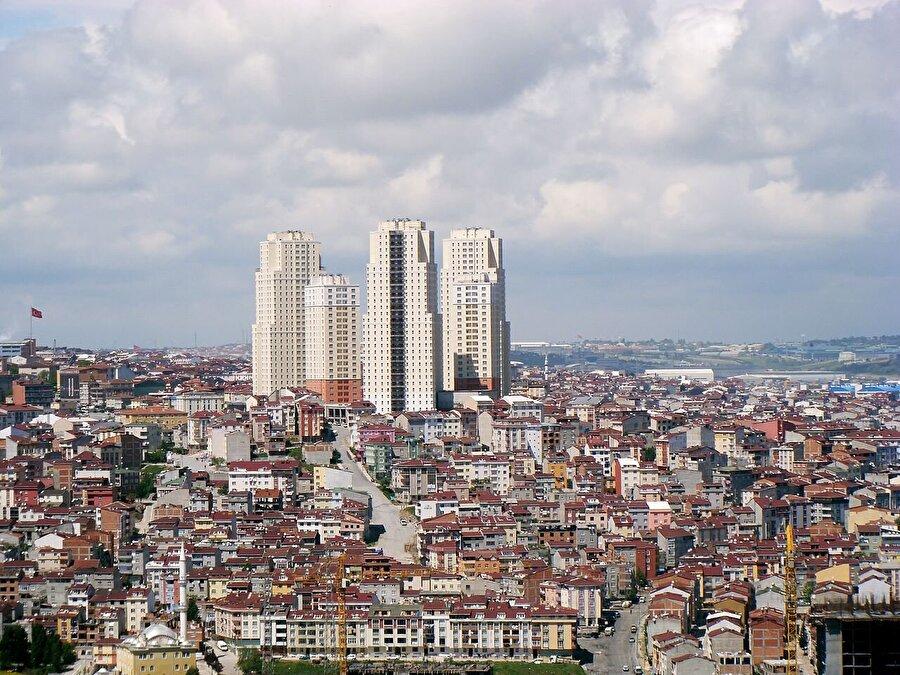 Ev kirası                                      İstanbul Esenyurt'ta 85 metrekare bir ev için ödeyeceğimiz ortalama kira 750 lira. Ev kiraları semte, boyutuna veya konumuna göre değişkenlik gösterse de Esenyurt'ta yaklaşık 2 buçuk aylık bir ev kirasını da karşılamamız mümkün.