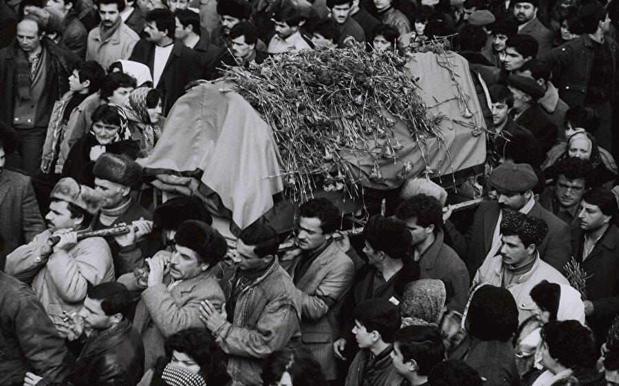 Sovyet ordusu katliamını Neftçala ve Lenkeran gibi diğer illerde de sürdürdü ve yaklaşık 150 Azerbaycanlı sivil 20 Ocak katliamının kurbanı oldu. Olaylarda 750 kişi yaralandı, yaklaşık 400 kişi Sovyet ordusu tarafından gözaltına alındı.