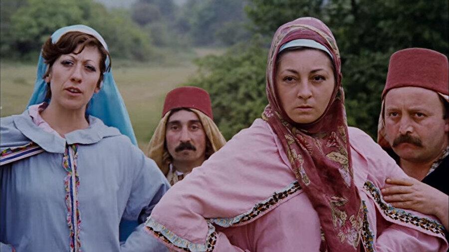 1976 yılında Tosun Paşa'da Zekiye karakteriyle karşımıza çıktı.