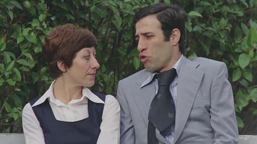 Usta oyuncu 1977 yılında Hababam Sınıfı Tatilde filminde karşımıza çıktı.